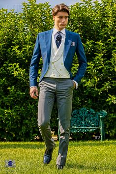 Latest Coat Pant Designs Blue Double Breasted Italian Formal Custom Wedding Suits For Men Groom Jacket 3 Piece Tuxedo Wedding Morning Suits, Wedding Suits, Trendy Wedding, Cutaway, Costume Bleu Royal, Royal Blue Suit, Azul Royal, Morning Coat, Suit Combinations