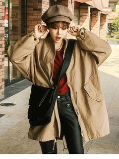 """Today's Hot Pick :☆ 宽松纯色立领休闲中长版外套 http://fashionstylep.com/SFSELFAA0018544/yubscn1/out 在春秋迷人的季节里一件宽松的外套,在休闲舒适中绽放独特的个人魅力! 宽松中长款,暖暖的穿着感,漫不经心的感觉就是这么的IN! 利落的立领造型,提升帅气的同时,锁暖挡风很实用哦! 下摆与腰部的抽绳添加,为崇尚""""束缚派""""的你提供了更多的搭配选择哦~ 第一时间修复气质,增加人气的不二选择!~~ -宽松 -中长款 -立领 -抽绳设计"""