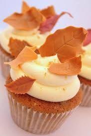 Resultado de imagem para fall cupcake