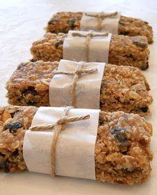 Shopgirl: Homemade Raisin and Peanut Breakfast Granola Bars