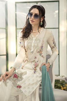 Pakistani Designer Clothes, Pakistani Designers, Designer Dresses, Stylish Dress Designs, Stylish Dresses, Casual Dresses, Casual Wear, Pakistani Suits, Salwar Suits