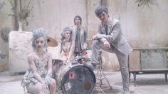 """Zombi, es el sencillo que se desprende de la producción """"Entre el humo y las llamas"""" y próximo videoclip de la banda Eurídice."""