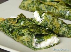 Aprende a preparar Rollo de espinacas con queso ricotta con esta rica y fácil r. Spinach Recipes, Veggie Recipes, Keto Recipes, Vegetarian Recipes, Cooking Recipes, Healthy Recipes, Salada Light, Healthy Cooking, Healthy Eating