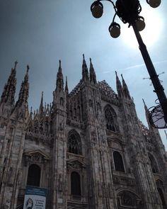 Duomo di Milano #milano#duomodimilano#milano #milanobella #milanodavedere #welovemilano#pck_milano #bellamilano #volgomilano #volgolombardia #ig_milano #ig_lombardia by francescaemiliamandato89
