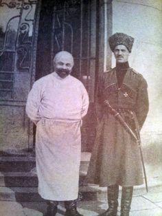 Михаил Александрович у здания госпиталя. Юго-Западный фронт. 1916 г. Grand Duke Michael Alexandrovich
