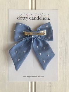 blue hair Blue Sailor Bow Cornflower B - haar Diy Hair Scrunchies, Diy Hair Bows, Diy Bow, Ribbon Hair, Ribbon Bows, Blue Hair Bows, Blue Bow, Lilac Hair, Pastel Hair