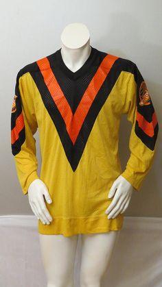 Vintage Vancouver Canucks Jersey - Home Flying V - Sandow Knit - Men s  Medium cd03bed7e