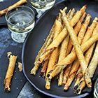 Rolletjes van brickdeeg met tapenade en sesamzaadjes - recept - Puur eten 2 Pascale Naessens