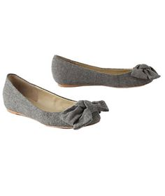 6 Cool-Weather Flats You'll Love Beautiful Shoes, Beautiful Outfits, Beautiful Clothes, Shoes For Less, Me Too Shoes, Cute Flats, Cute Shoes, Best Flats, What I Wore