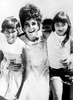 Elizabeth Taylor     her girls .....Uploaded By www.1stand2ndtimearound.etsy.com