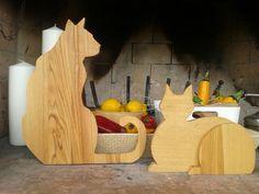 Gatto seduto e gattino con baffi in legno  Fatti a mano €58-€48