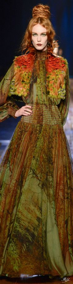 Fall 2016 Haute Couture - Jean Paul Gaultier The combination of colors is just…