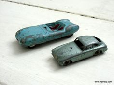 2 vtg Die-cast Car models 1958 Aston Martin Lesney no53 Lotus Mark XI Le Mans Racing Car Corgi no151 collectible diecasts vintage models D08