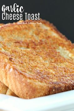 Cheese Toast is a copy cat recipe from Sizzler s delicious cheese toast.Garlic Cheese Toast is a copy cat recipe from Sizzler s delicious cheese toast. Garlic Cheese, Cheese Bread, Copycat Recipes, Bread Recipes, Cooking Recipes, Yummy Treats, Yummy Food, Bread Toast, Texas Toast Garlic Bread