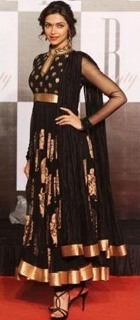 Deepika Padukone in a black anarkali dress designed by Ritu Kumar India Fashion, Ethnic Fashion, Asian Fashion, Deepika Padukone, Pakistani Outfits, Indian Outfits, Saris, Bollywood Fashion, Bollywood Actress