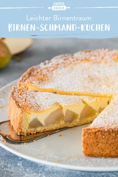 Creamy pear sour cream cake- Cremiger Birnen-Schmand-Kuchen A fine shortcrust pastry with a wonderfully creamy sour cream filling and juicy pears. Pastry Recipes, Baking Recipes, Sour Cream Cake, Best Bakery, Shortcrust Pastry, Pound Cake Recipes, Pumpkin Spice Cupcakes, Ice Cream Recipes, Food Cakes