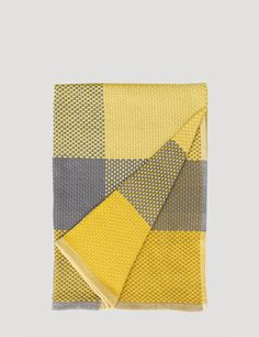 a blanket from Muuto - perfect choice for an Indian summer