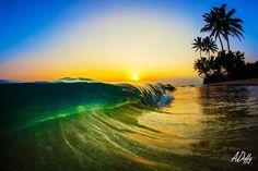 ondas                                                       …                                                                                                                                                                                 Mais