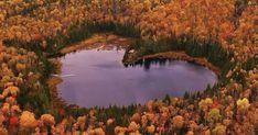 Le lac en forme de coeur à une 1h de Montréal que tu dois aller voir cet automne - Narcity Bruce Peninsula, Destinations, Halloween 2019, Photos, Images, River, Outdoor, Hearts, Google