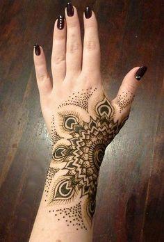 O que é a tatuagem de Henna e como é feita (40 imagens)                                                                                                                                                                                 Mais