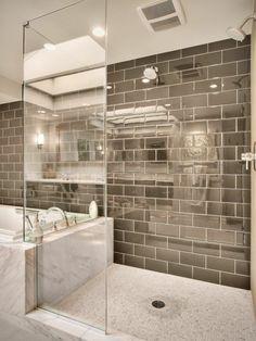 Badezimmerfliesen - die Rolle des Materials und der Farben