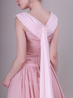 Elegant Two-Toned Vintage Bridesmaid Dress with Mini Train