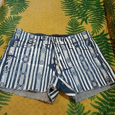 "Stone Craft Shorts Stella Aztec Jeans 25 Stone Craft Stella shorts.  Size 25. 98% cotton denim with 2% lycra. Raw bottom edging and Aztec paint design which has a ""splotched imperfect"" look for effect by manufacturer.  Good condition. Stone Craft Shorts Jean Shorts"