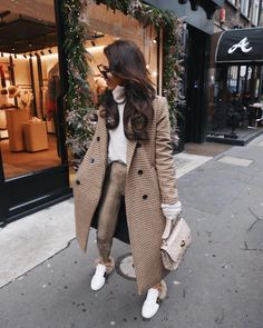 Beige Look From Zara - Fashion Inspo - Mode Zara Fashion, Fashion Mode, Look Fashion, Woman Fashion, High Street Fashion, Feminine Fashion, Classy Fashion, Ladies Fashion, Street Style Women