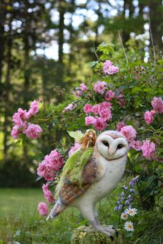 Róisín ~ The Rose Faerie — Lavender & Lark Owl Bags, Felt Fairy, Felt Birds, Fairy Doors, Wow Art, Fairy Art, Felt Dolls, Ooak Dolls, Felt Animals
