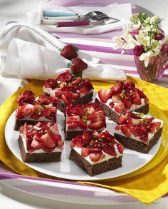 Unser beliebtes Rezept für Erdbeerschnitten vom Blech mit Schmand-Kokos-Creme und mehr als 55.000 weitere kostenlose Rezepte auf LECKER.de.