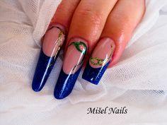 nails form