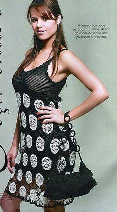 Black Dress with White Flowers free crochet graph pattern
