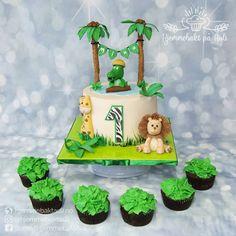 Gratulerer med dagen Mina! 🌠 Birthday Cake, Christmas Ornaments, Holiday Decor, Food, Home Decor, Birthday Cakes, Decoration Home, Room Decor, Christmas Jewelry