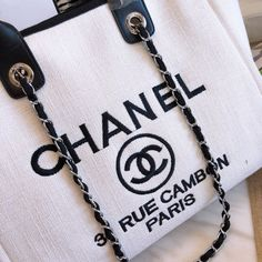 Bags Type: Single shoulder bag with two handles and shoulder strapsClosure Type: Magnetic claspMaterial: High grade PU , interior single zipper side pocket Dimensions: Strap: Metal and leather twined adjustable Chanel Handbags 2017, Kate Spade Handbags, Designer Handbags, Chanel Tote Bag, Chanel Chanel, Louis Vuitton Heels, Chanel Canvas, Dior Saddle Bag, Kendall And Kylie Jenner