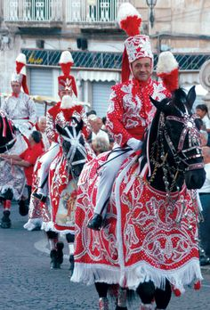An impressive happening in the #Apulia region is #Cavalcata di Sant'Oronzo in the majestic city #Ostuni, in the province of #Brindisi. Taking place on August 26th, the festival's schedule includes a procession with the silver statue of Sant'Oronzo, the patron saint of Ostuni, along the narrow streets of the city and an imposing horse riding parade with around 40 horsemen in the beautiful costumes of knights. #AriaLuxuryApulia #LuxuryVillasApuliaItaly