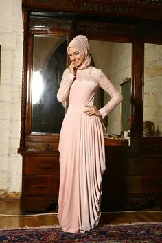 Here are new party hijab styles for Eid that goes well with different hijab outfits such as abayas, maxi, gowns and so on. Get your best party hijab. Turkish Hijab Style, Turkish Fashion, Islamic Fashion, Abaya Fashion, Modest Fashion, Women's Fashion Dresses, Hijab Abaya, Hijab Dress, Moda Formal