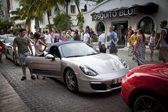 """La caravana del #NuevoBoxster llegó a Playa del Carmen donde nuestros invitados comieron en el exclusivo restaurant """"Di Vino"""""""