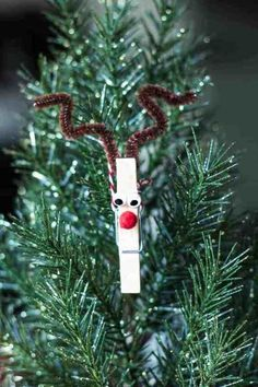 Clothespin Reindeer Ornaments These Clo. -You can find Ornaments and more on our website.Clothespin Reindeer Ornaments These Clo. Reindeer Clothespin, Reindeer Craft, Reindeer Ornaments, Diy Christmas Ornaments, Ornament Crafts, Snowmen, Handmade Christmas, Christmas Crafts For Kids, Christmas Art