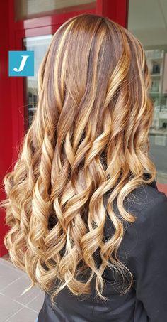 Caramel & Sun kiss _ Degradé Joelle #cdj #degradejoelle #tagliopuntearia #degradé #igers #musthave #hair #hairstyle #haircolour #longhair #ootd #hairfashion #madeinitaly #wellastudionyc