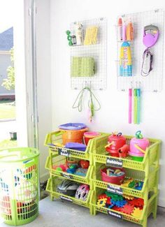 Pinterest-inspired DIY ideas for organizing outdoor toys