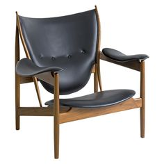 La escultura hecha silla. luz10