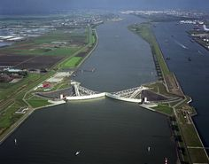 The storm-surge barrier Rotterdam (c) Rijkswaterstaat, part of the Dutch Ministry of Infrastructure and the Environment