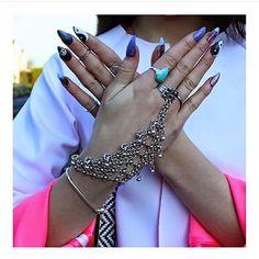 #loveargento #nails #fakenails #ring #turquoise #fashionweek #fashioncommunication #fashionintern #uni #handchain #shopdixi #dixi #blogger #fblogger #belfast #belfast #argento