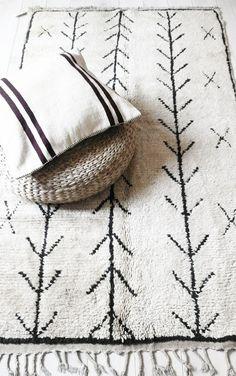 tapis ethnique noir et blanc