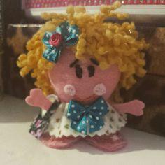 Bonequinha de feltro...#mimos #bonequinha #feltro #cute