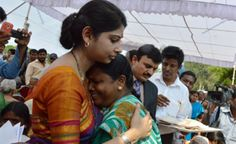 Ias Officers, Women Tunic, Indian Beauty, Celebrations, Families, Police, Singing, Father, Posts