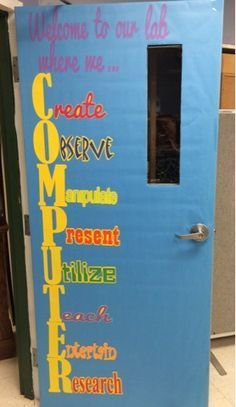 A Techy Teacher with a Cricut: Computer lab door or bulletin board: – Yolanda Cutts – technologie Elementary Computer Lab, Computer Lab Lessons, Computer Lab Classroom, Computer Teacher, Technology Lessons, Teaching Technology, Elementary Schools, Elementary Teaching, Classroom Door