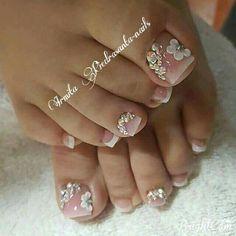 Pretty Toe Nails, Cute Toe Nails, Pretty Toes, Gorgeous Nails, Fall Toe Nails, Pretty Pedicures, Bridal Pedicure, Pedicure Nail Art, Toe Nail Art