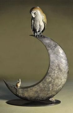 "Artist : Theodore Gillick Works : Bronze Sculpture : ""Night Owl and Moon"" Sculptures Céramiques, Sculpture Art, Owl Moon, Bird Artists, Paperclay, Owl Art, Michelangelo, Ceramic Art, Metal Art"
