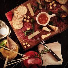 오랜만에 만난 치치 덕에 분위기 좋은 #가로수길카페 & Bar 찾았다아 #컬렉션서울  1층은 #컬렉션카페 지하는 #컬렉션라운지 Bar 인데 지하는 7시에 오픈하니 참고하세요 :-) by aura_m_kr Dairy, Cheese, Food, Meal, Essen, Hoods, Meals, Eten